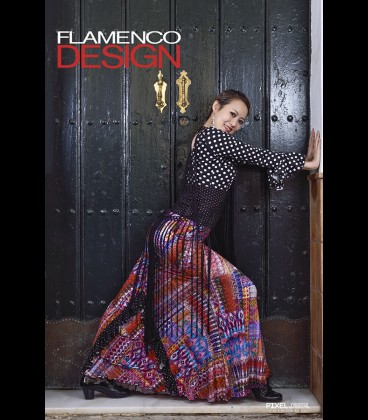Falda Flamenca 12/a 後部に三角状の三段フリル、ななめに二段フリル 特別生地