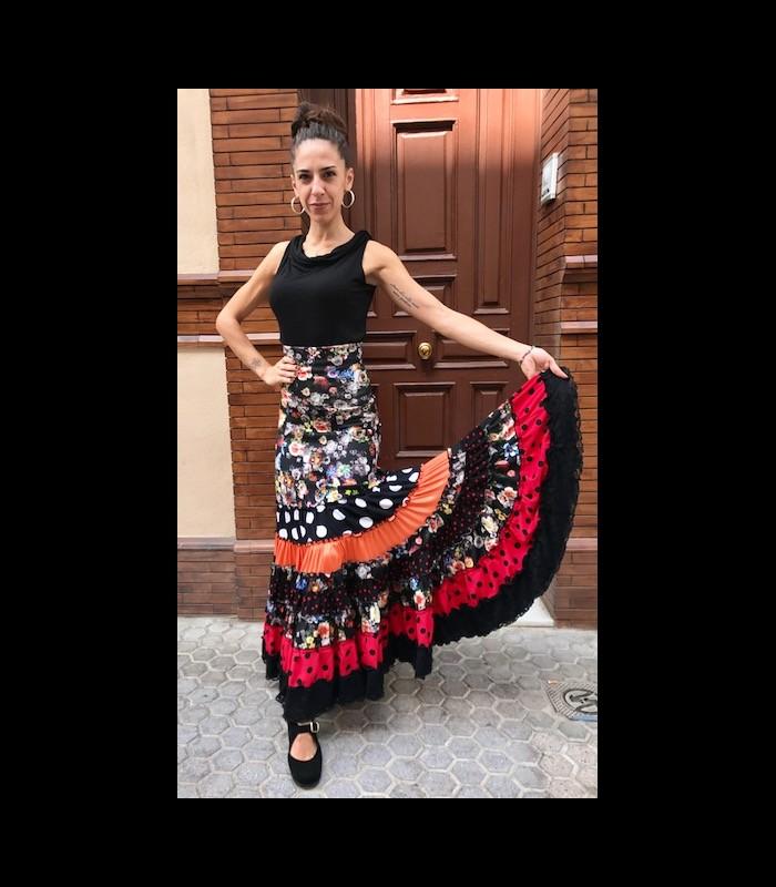 523511615 Falda flamenca profesional modelo Sevilla flores negro
