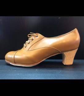 Professional flamenco shoes in light brown color Malena Gallardo
