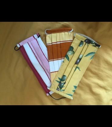 Mascarilla lavable 100 algodon, doble capas para poner filtro entre ellas/amarillo