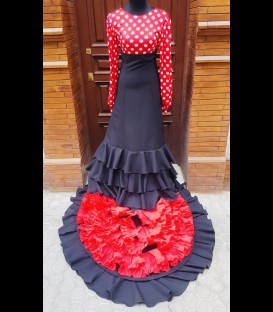 Professional bata de cola, customly made with 3 ruffles